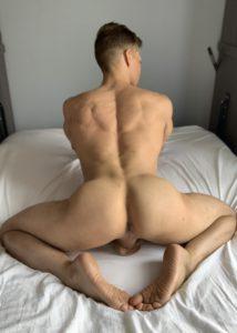 IGayChat Ethan Chase flaunts booty